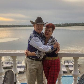 Дон (США) и Елена (Украина)