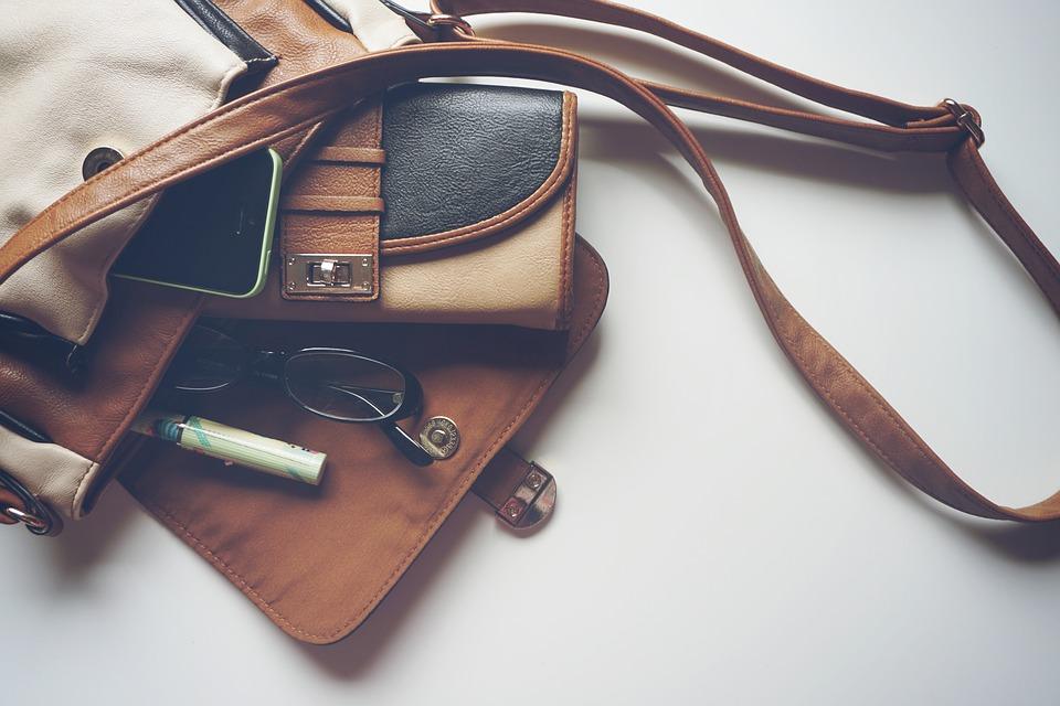 первое свидание сумка кошелек клатч вещи