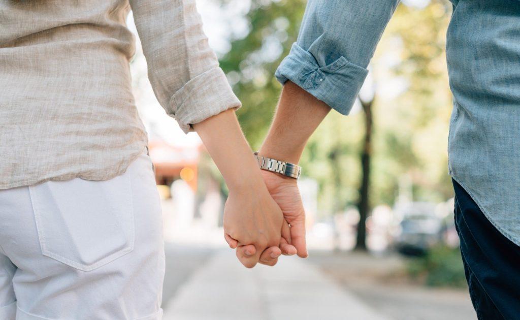 пара влюбленные встреча этикета
